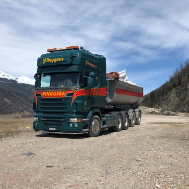 Pinggera Transport Engadin Kipper Belagtransport Aushubtransport