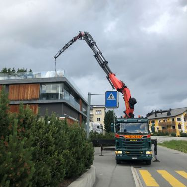 Pinggera Transport Engadin Kran Spezialtransport