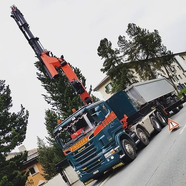 Pinggera Transporte Kran Kipper Sondertransport Engadin