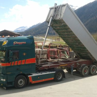 Pinggera Transport Engadin Kipper